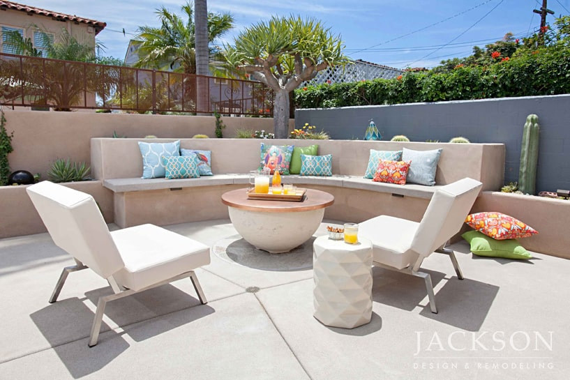 outdoor living room design. this spacious backyard oasis features several distinct areas for dining, entertaining, and relaxing unified into an inviting outdoor living space. room design