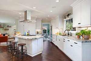 Island Cooktops: Central to an Open Kitchen and Dining Space
