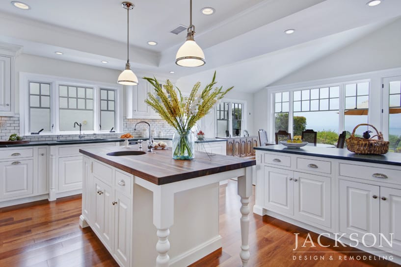 Along With Several Other Awards, This Refreshing Interpretation Of Colonial  Style On The California Coast Was Named Best Kitchen By The Readers Of ...