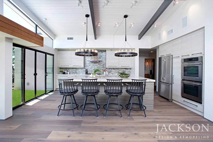 Bold Scale And Compelling Rustic Elements Define The Kitchen In An Airy  Expanse. The Design Maximizes And Frames The View From Every Vantage Point.
