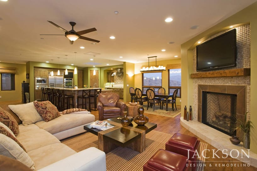 This Custom Home Built For News8 Anchor Larry Himmel And His Wife, Joan,  Fuses Southwestern And Contemporary Design. The Homeu0027s Open Floor Plan  Embraces ...